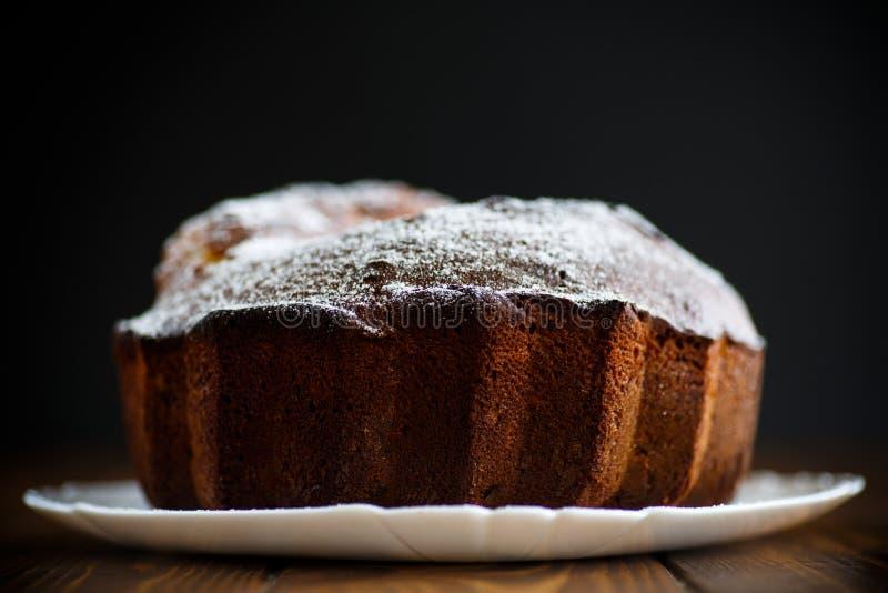 Torta de miel grande dulce foto de archivo libre de regalías