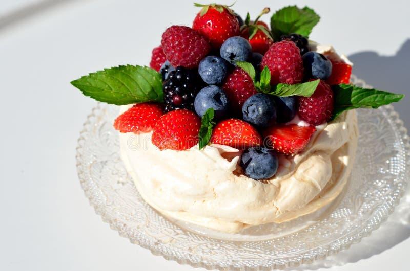 Torta de Pavlova fotografía de archivo