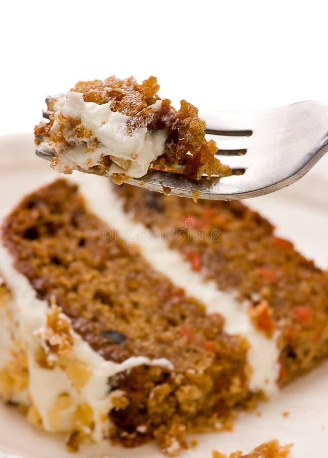 Torta de zanahoria de la nuez en una fork fotos de archivo libres de regalías