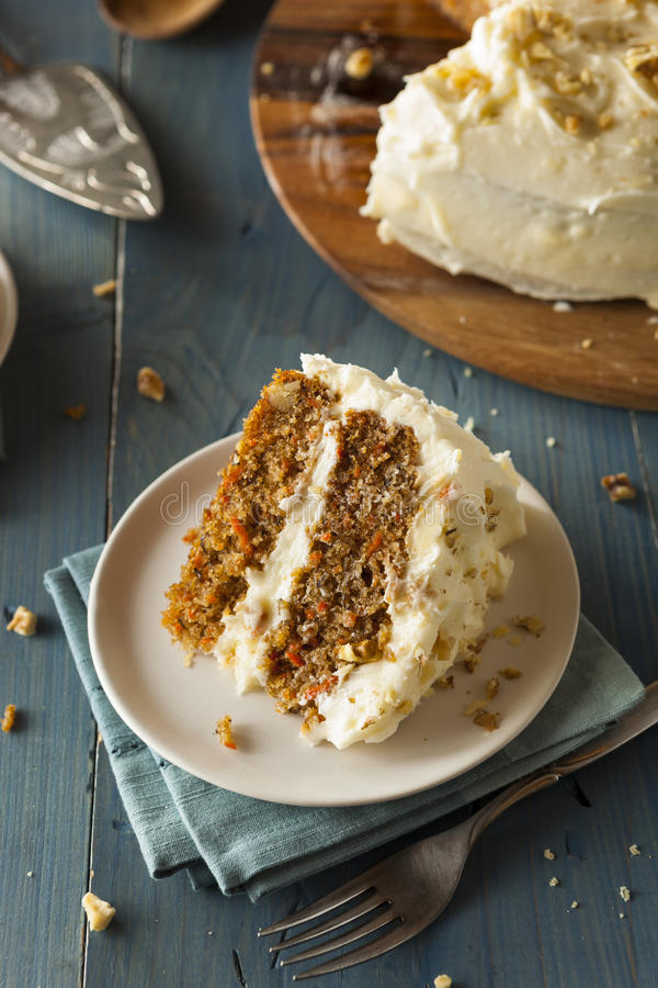 Torta de zanahoria hecha en casa sana fotos de archivo libres de regalías