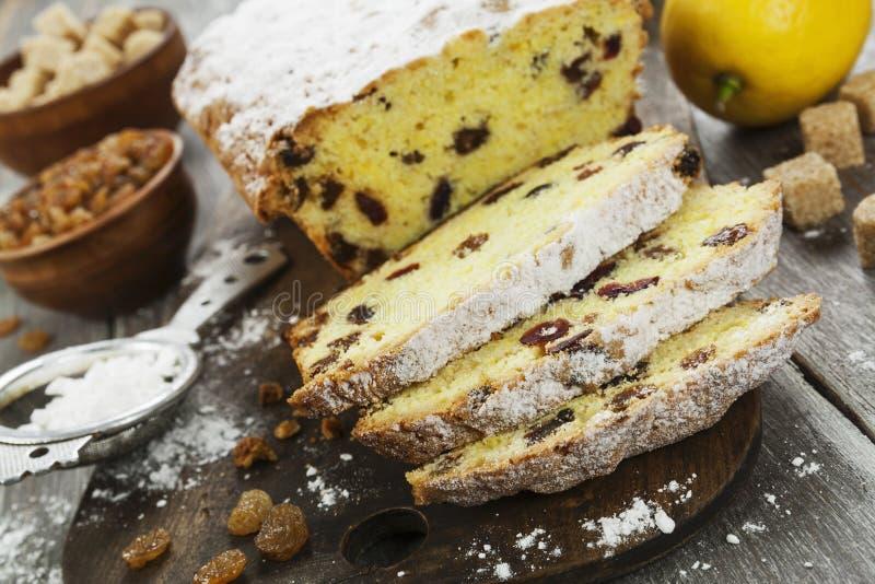 Torta del limón con la pasa fotografía de archivo