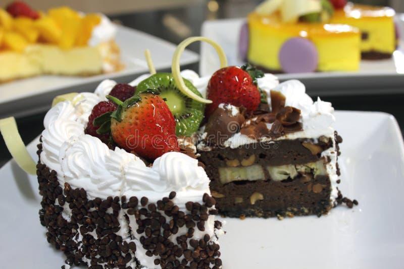 Download Torta Del Pan De Jengibre Con El Chocolate Foto de archivo - Imagen de crema, negro: 42435852