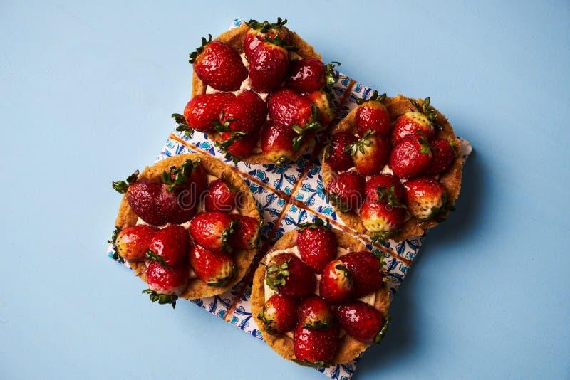 Torta del Tartlet o galleta de la torta de la cesta fotografía de archivo libre de regalías