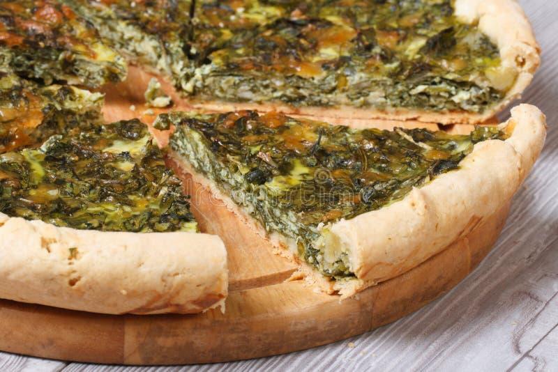Torta desbastada saboroso e saudável dos espinafres foto de stock