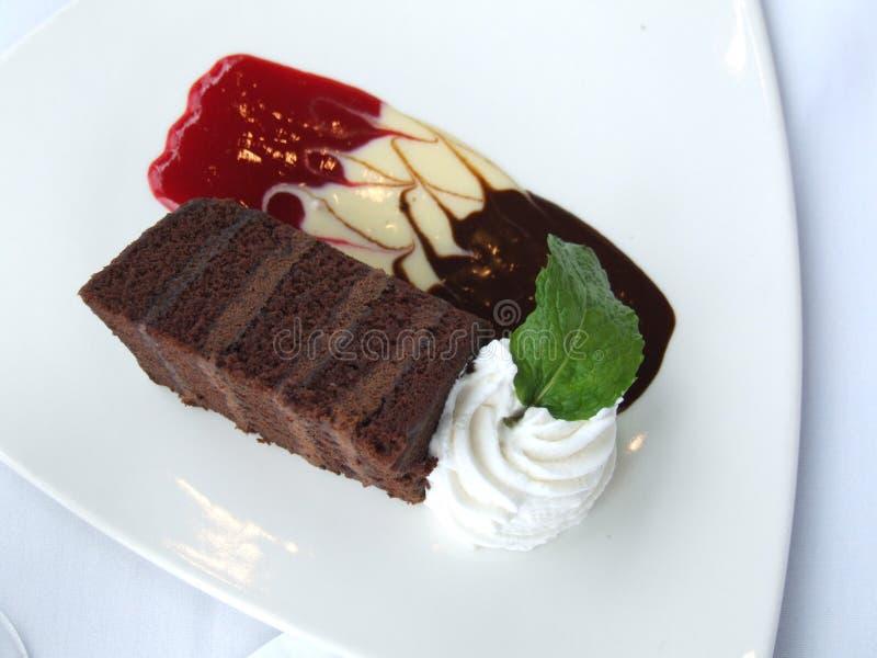 Torta di cioccolato operata immagini stock libere da diritti