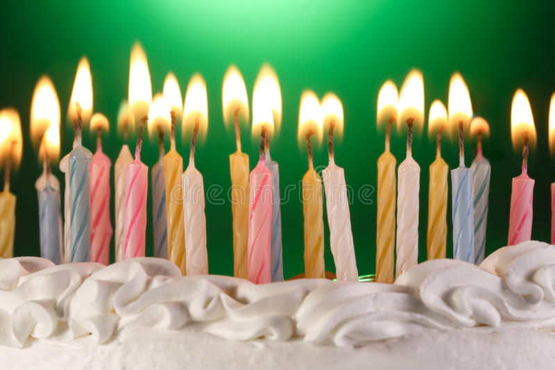 Torta di compleanno fotografie stock libere da diritti