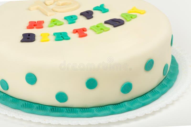 Torta di compleanno con il buon compleanno del testo fotografia stock
