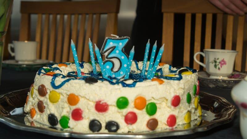 Bien connu Torta Di Compleanno Per Un Bambino Di Tre Anni Fotografia Stock  CP66