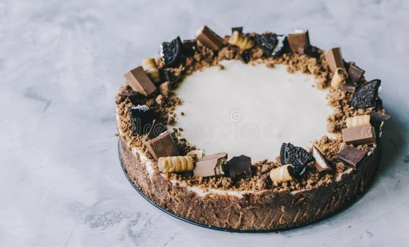 Torta di formaggio con il gourmet del cioccolato immagine stock