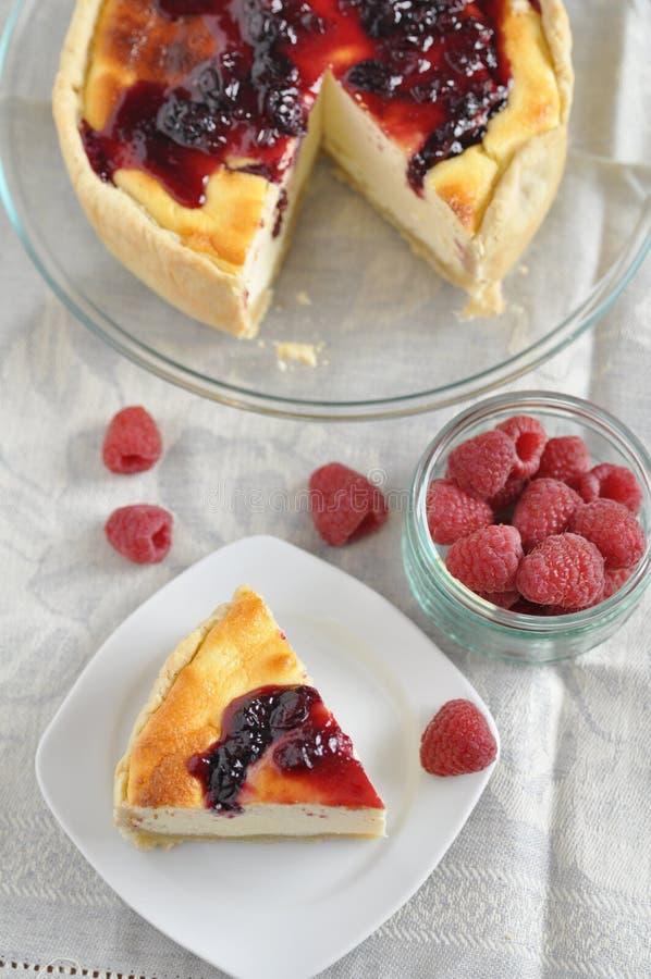Download Torta Di Formaggio Con Le Bacche Fresche Fotografia Stock - Immagine di mirtillo, delicatessen: 30828360
