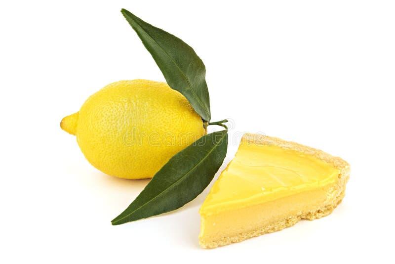 Torta di formaggio del limone e frutta saporite fresche del limone immagine stock libera da diritti
