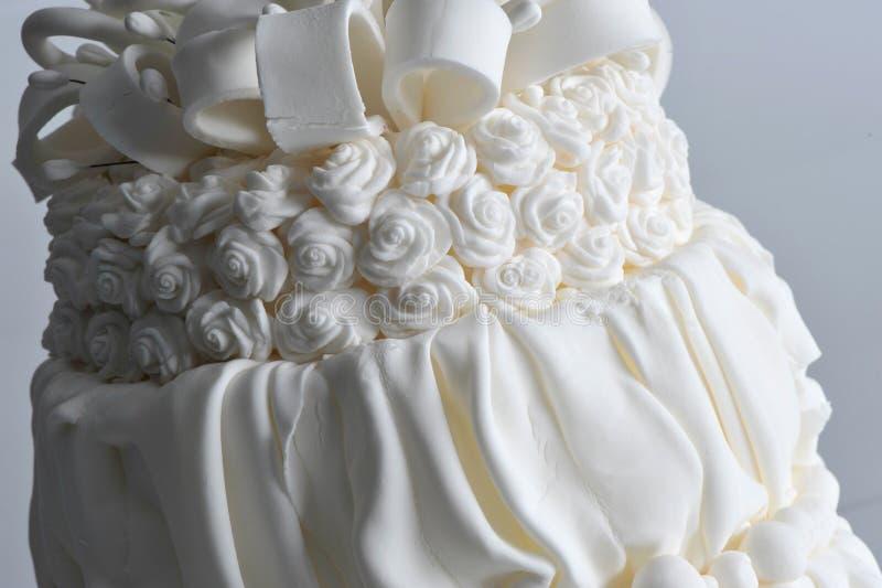 Torta dulce de la celebración del partido de la vainilla del pastel de bodas fotos de archivo