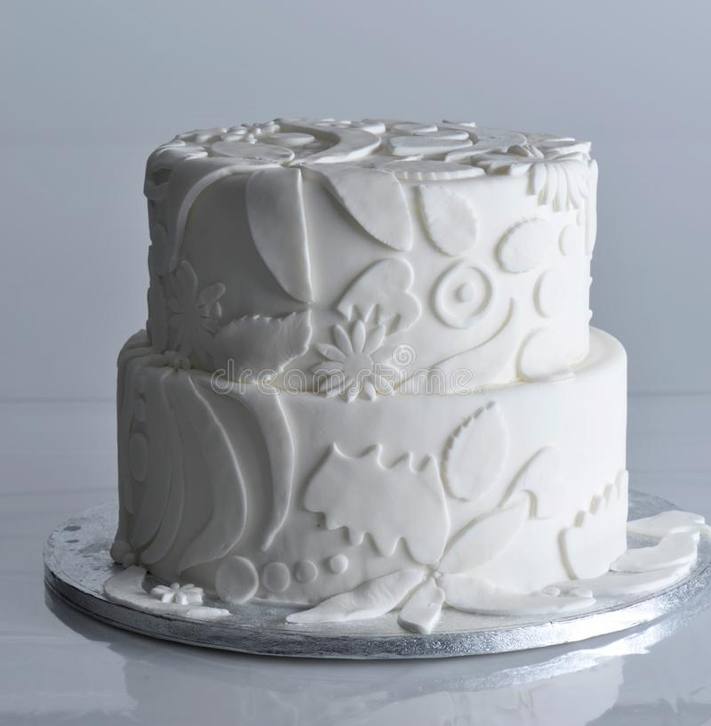 Torta dulce del partido de la celebración del pastel de bodas foto de archivo