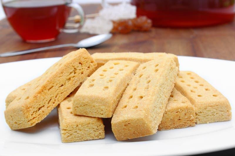Torta dulce y té imagen de archivo libre de regalías
