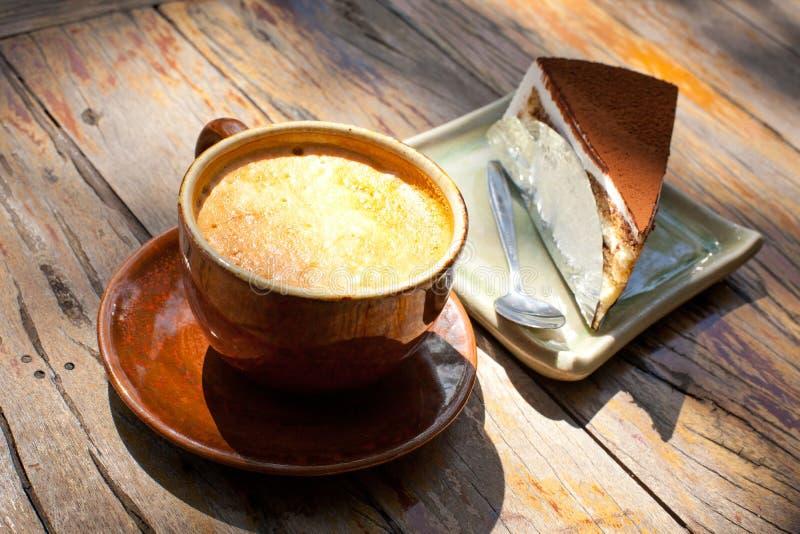 Torta e caffè fotografie stock