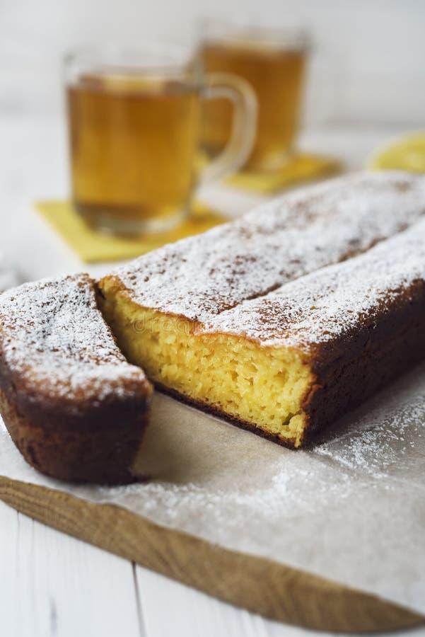 Torta e tè del limone immagini stock libere da diritti