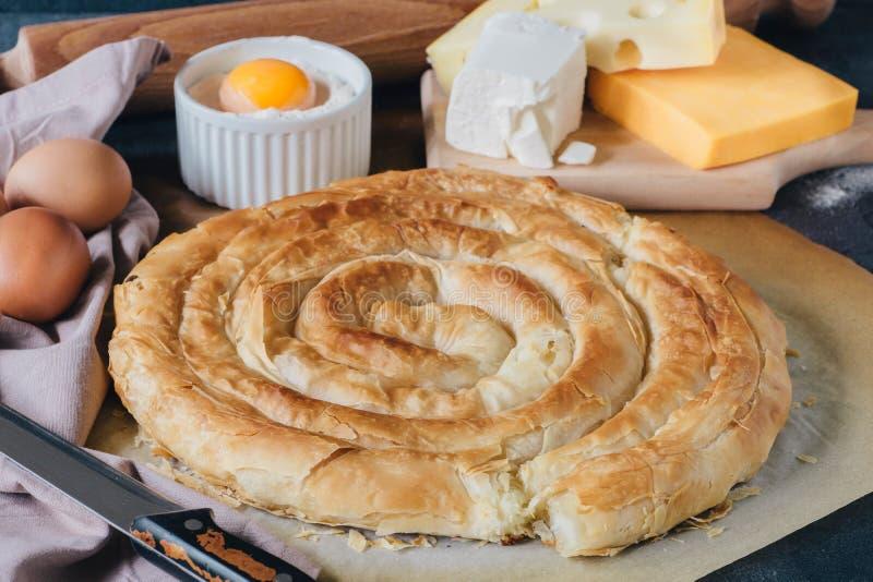 Torta greca casalinga del formaggio immagini stock libere da diritti