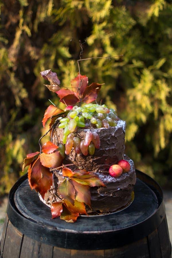 Torta nunziale di autunno fotografia stock libera da diritti