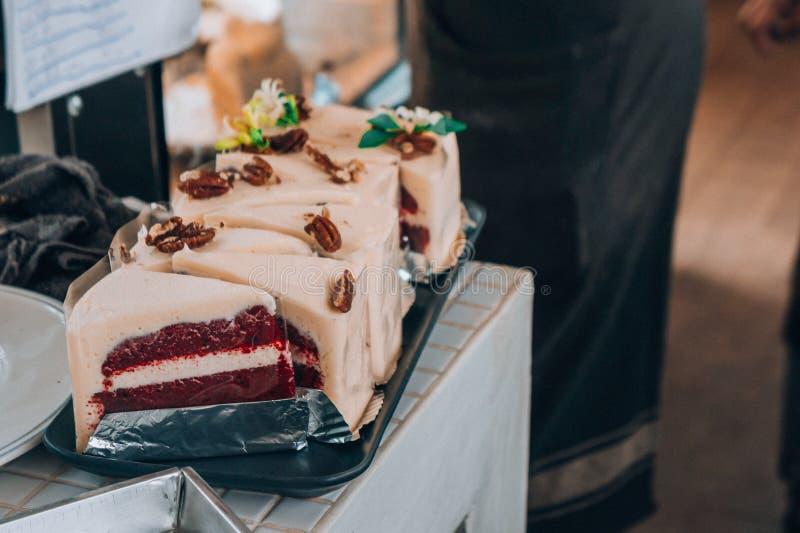 Torta sabrosa en cafetería, torta para que venta en restaurante fotografía de archivo libre de regalías