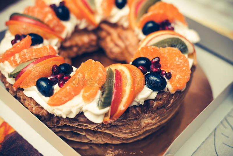 Torta sabrosa redonda de la fruta fotos de archivo libres de regalías