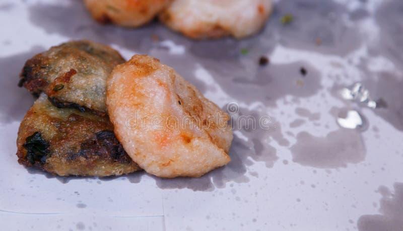 Torta tailandesa tradicional de la cocina, de Kanom Gui Chai Pan Fried Leek Stuffed Dough, de Pan Fried Steamed Chinese Leek o de fotos de archivo