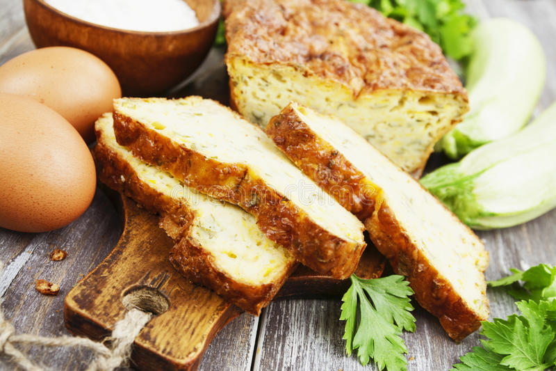 Download Torta Vegetal Com Queijo E Ervas Foto de Stock - Imagem de zucchini, pastries: 65579514