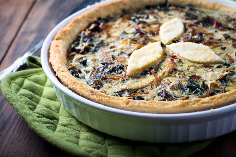 Download Torta Vegetal Da Quiche Da Crosta Flocoso Foto de Stock - Imagem de saudável, cozinhar: 65579244