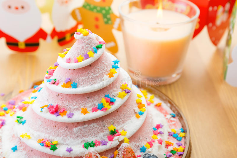 Torta y decoración de la Navidad imágenes de archivo libres de regalías