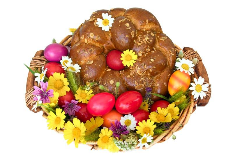 Torta y huevos de Pascua imagen de archivo libre de regalías