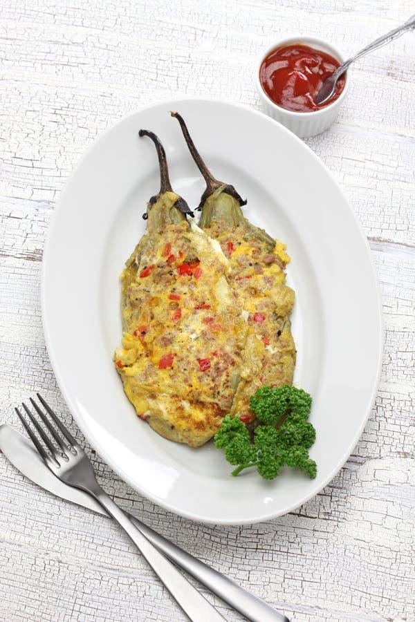Tortang talong, aubergineomelet, Filipijns voedsel stock fotografie