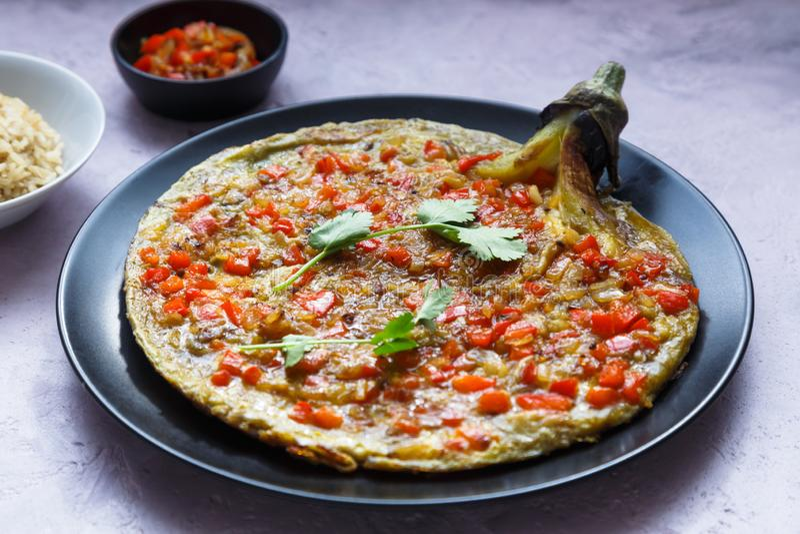 Tortang talong z giniling, oberżyna omlet z zmieloną wieprzowiną, filipiński jedzenie fotografia royalty free