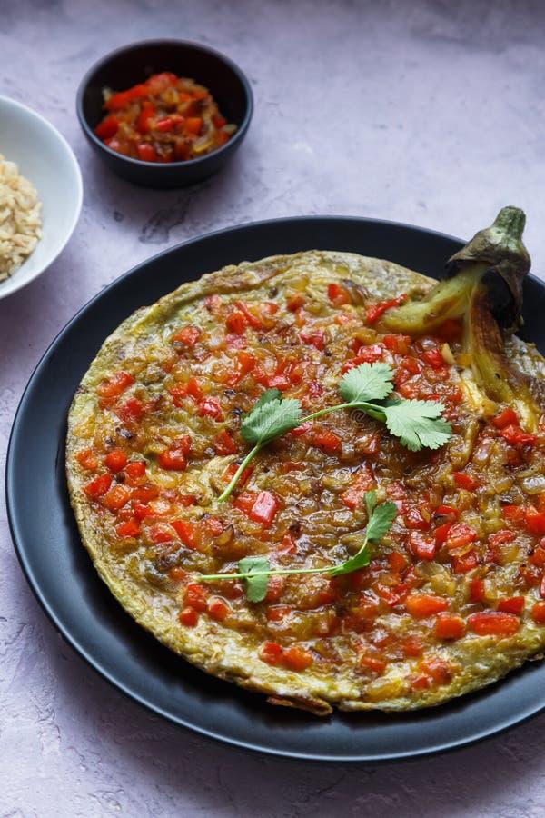 Tortang talong z giniling, oberżyna omlet z zmieloną wieprzowiną, filipiński jedzenie obrazy stock