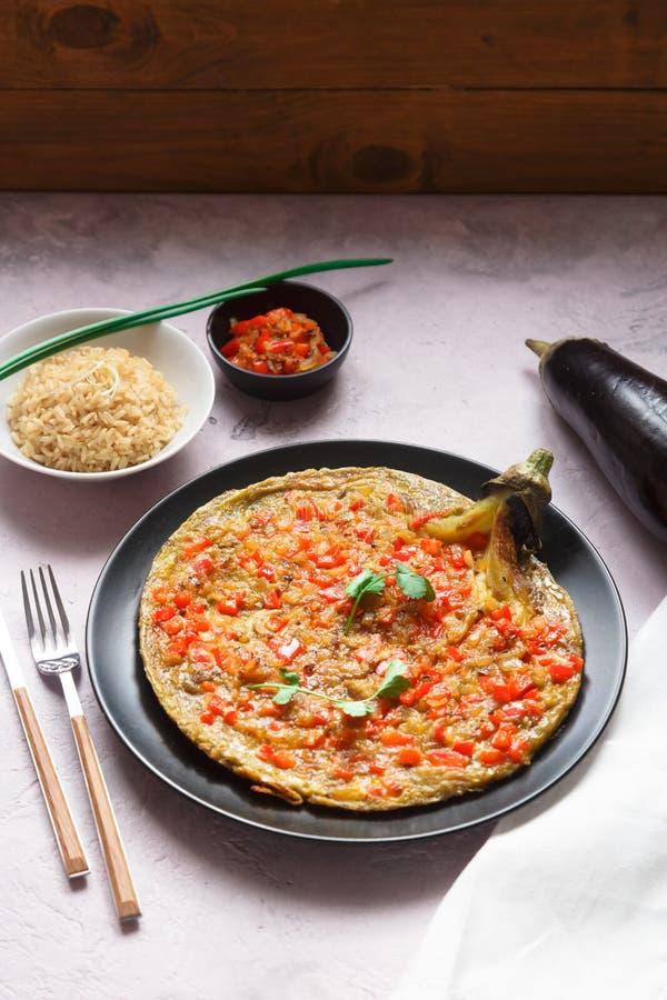 Tortang talong z giniling, oberżyna omlet z zmieloną wieprzowiną, filipiński jedzenie zdjęcia royalty free