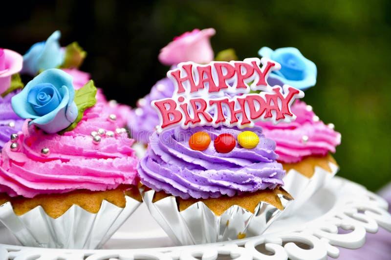 Tortas del feliz cumpleaños foto de archivo libre de regalías