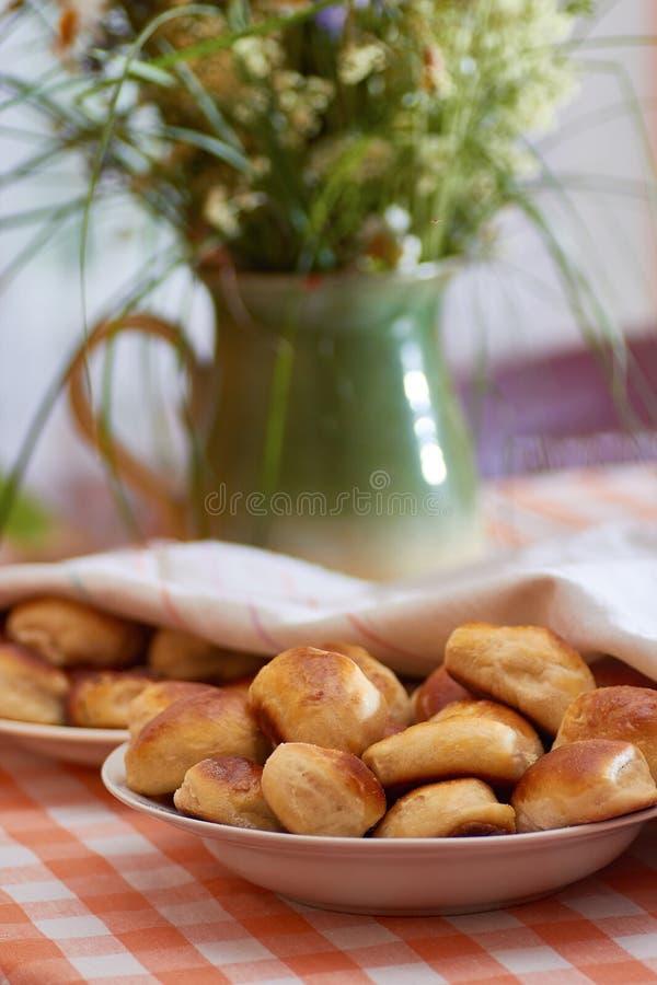 Tortas letãs tradicionais do bacon imagem de stock royalty free