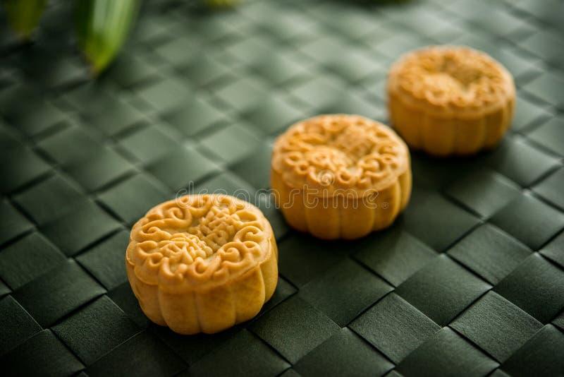 Tortas tradicionales de la luna del festival de mediados de otoño imágenes de archivo libres de regalías