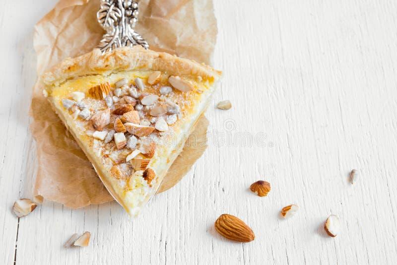 Torte mit Nüssen, Samen und mascarpone stockfoto