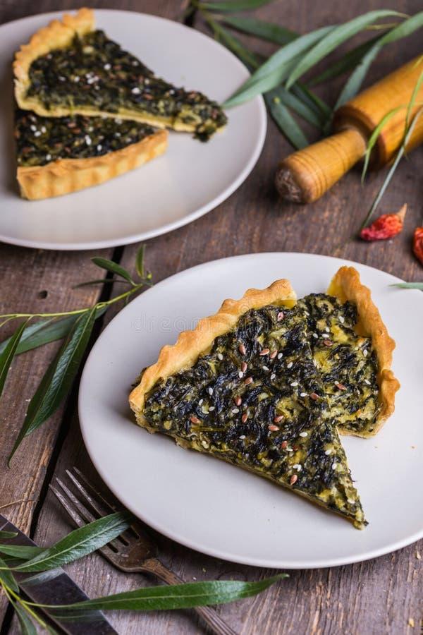 Torte mit Spinat lizenzfreies stockbild