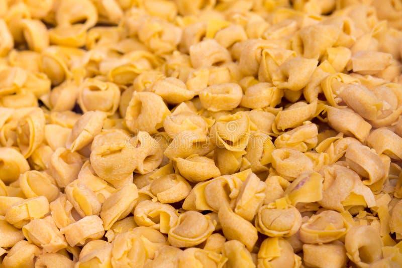 Tortellini, Włoscy pastas zdjęcie stock