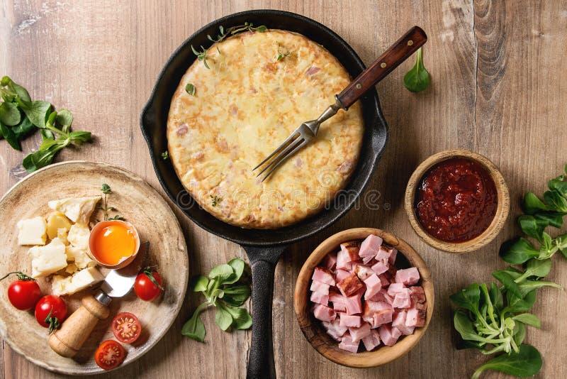 Tortiglia della patata con bacon fotografie stock libere da diritti