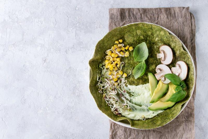 Tortiglia verde degli spinaci immagine stock