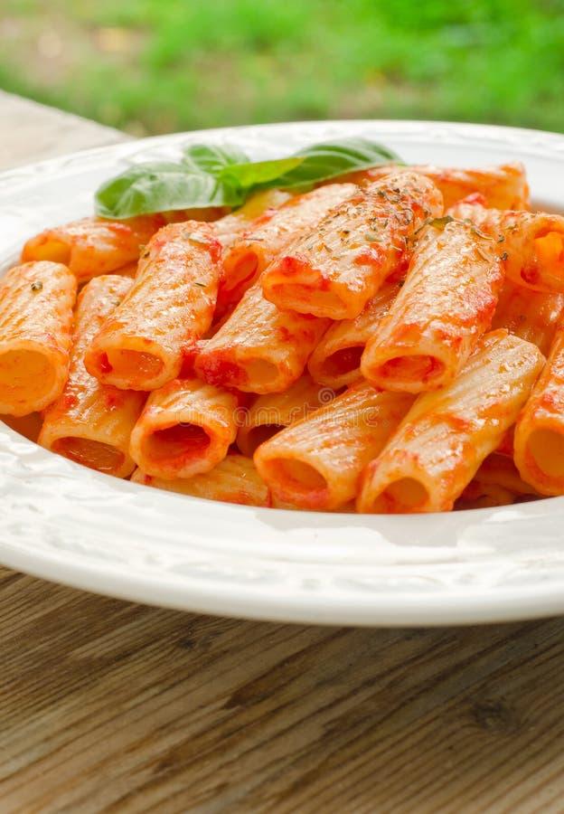 Tortiglioni z pomidorowym kumberlandem obrazy royalty free