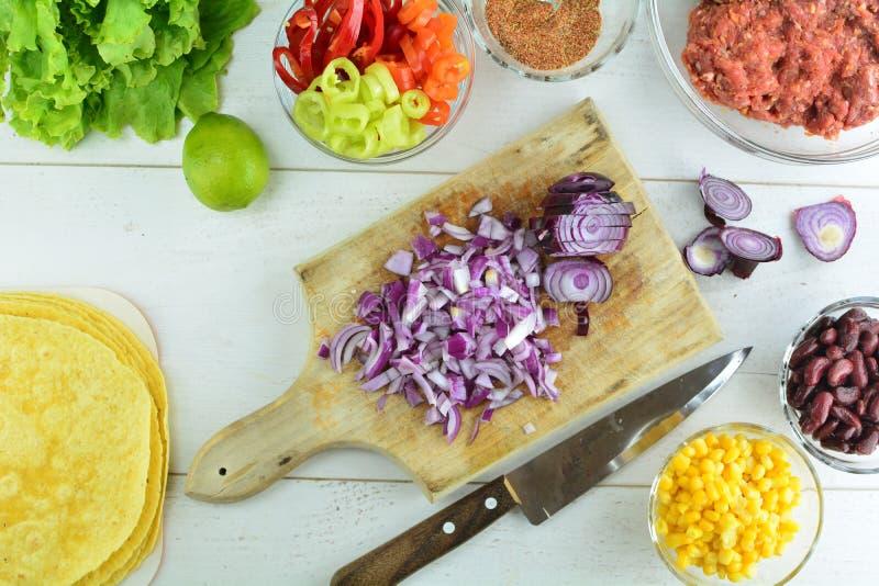 Tortilhas da carne de Cajun - prepara??o inteira da receita fotografia de stock