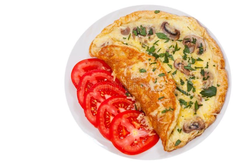 Tortilla de huevos con las setas y el queso Visión superior Aislado fotos de archivo