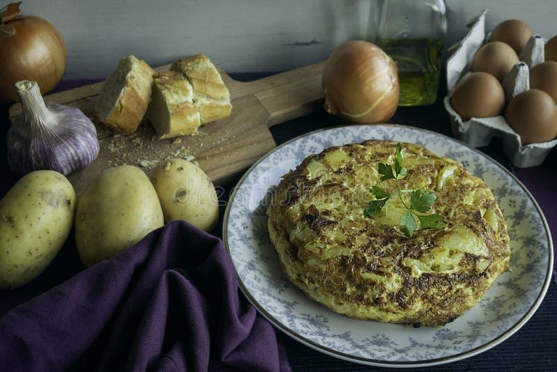 Tortilla de patata imagen de archivo libre de regalías