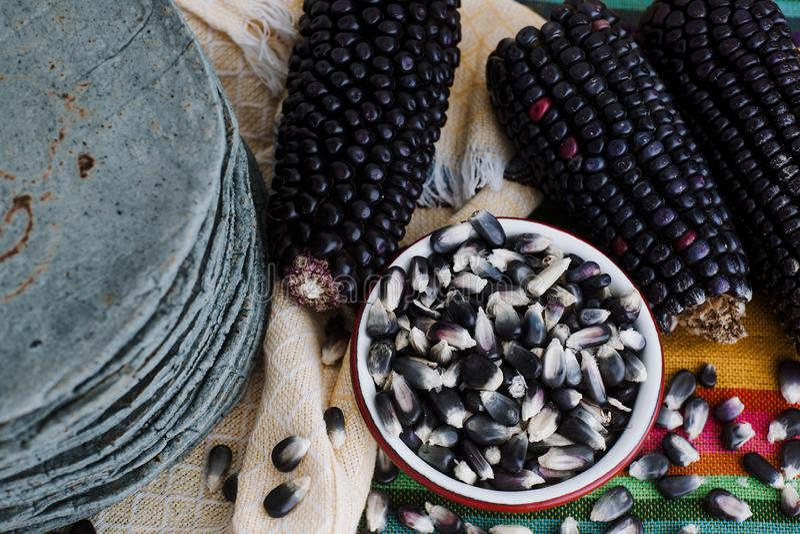 Tortilla's azules, blauw graan, Mexicaans voedsel traditioneel voedsel in Mexico stock foto's