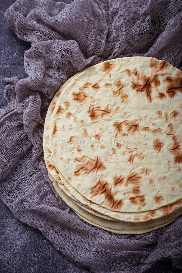 Tortillas de maïs mexicaines image libre de droits