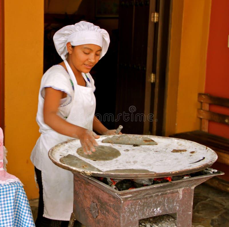 Tortillas de maïs mexicaines fabriquées à la main photos libres de droits