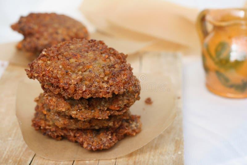 Tortino vegetariano con grano saraceno fotografia stock libera da diritti