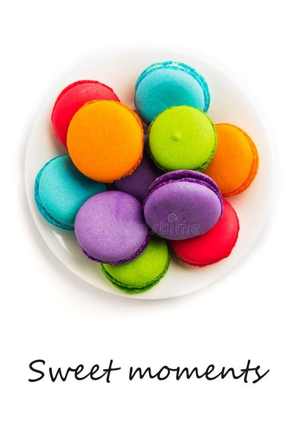 Tortowy macaron lub macaroon odizolowywający z teksta cukierki momentami zdjęcia stock